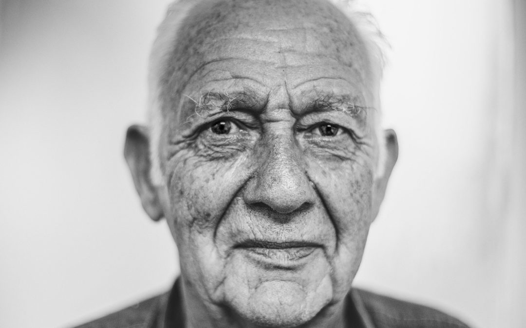 El cerebro de una persona mayor