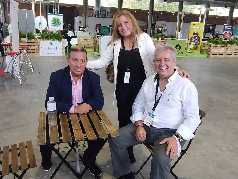José Antonio Requejo de Zamora con Jesús Hervias Huete y Nuria Martínez Ros